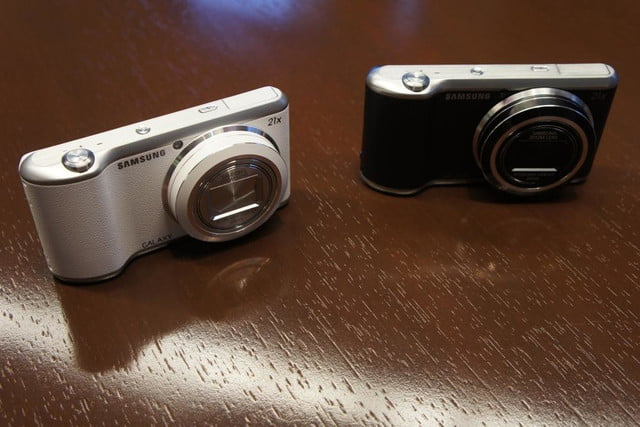 samsung announces nx30 mirrorless camera and android powered galaxy 2 dsc08187