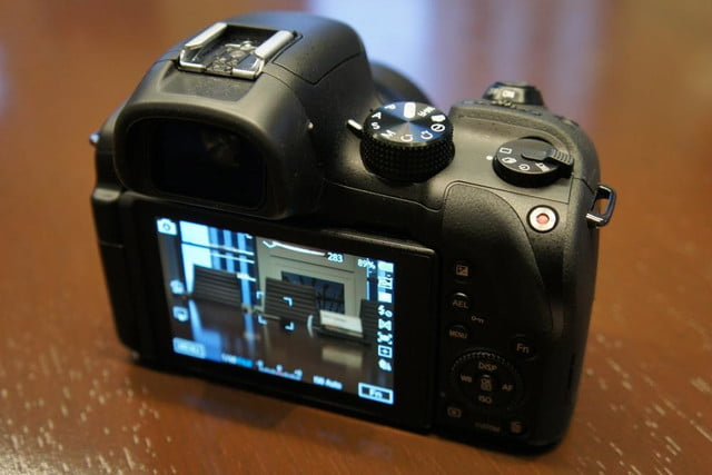 samsung announces nx30 mirrorless camera and android powered galaxy 2 dsc08204