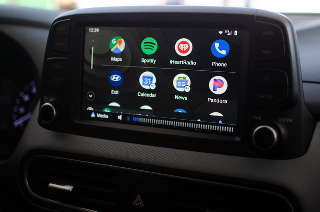 Hands on With Android Auto's Redesign and Assistant's Driver Mode