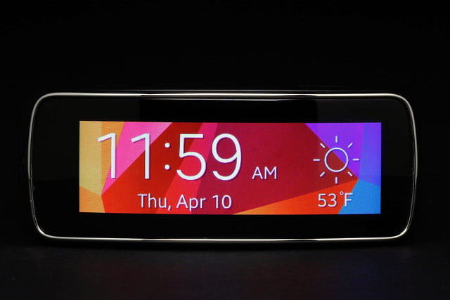 Gear Fit Watch front