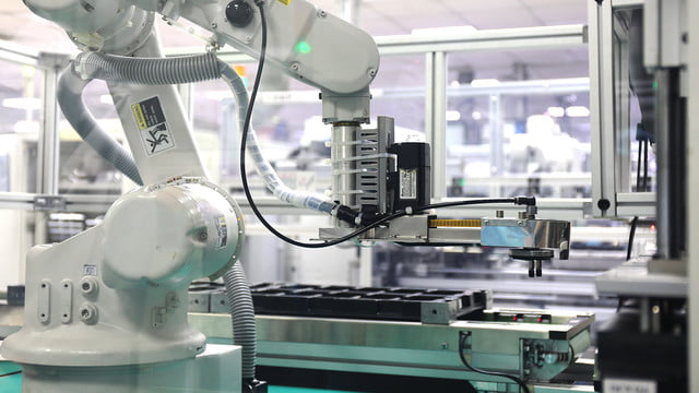 how htc builds its smartphones a tour in taiwan factory 04