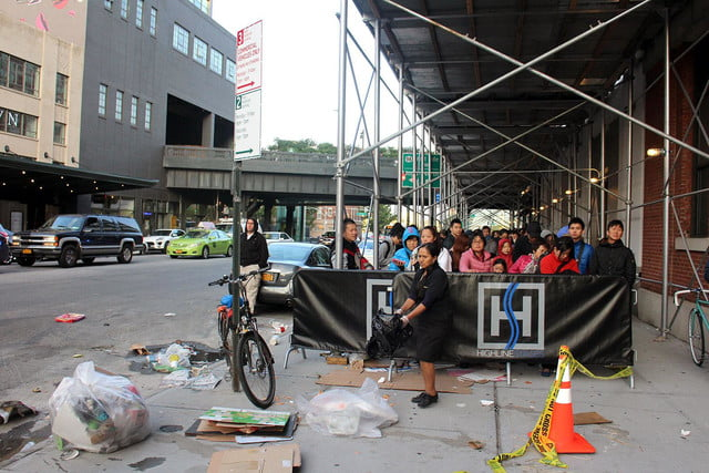 apple iphone 6 launch day news line