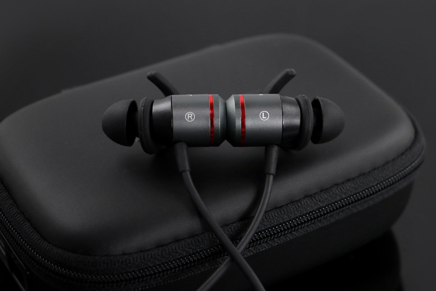 jabees-ampsound-bluetooth-hearing-amplifiers_007-1500x1000.jpg?ver=1