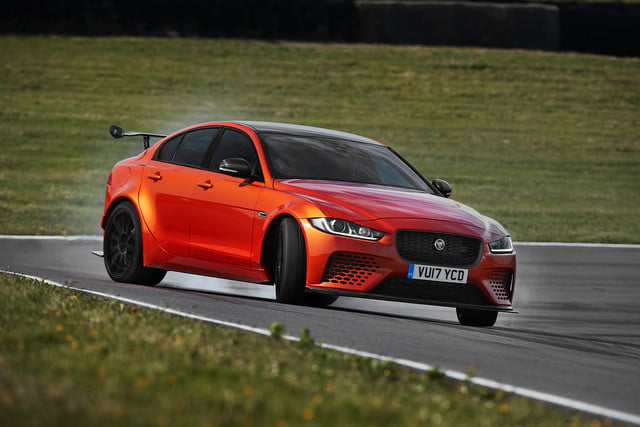 Jaguar-XE-SV-Project 8 front burn