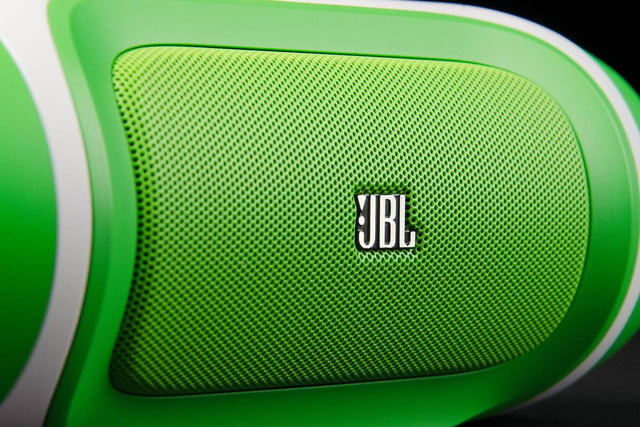 jbl charge front macro