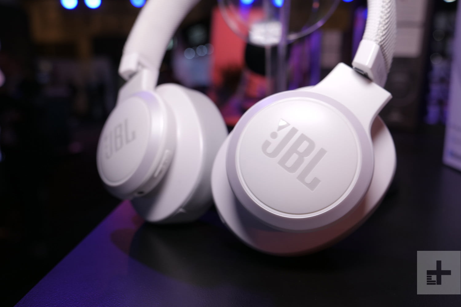 Sale Cuts Up to $200 Off JBL Headphones and Bluetooth Speakers