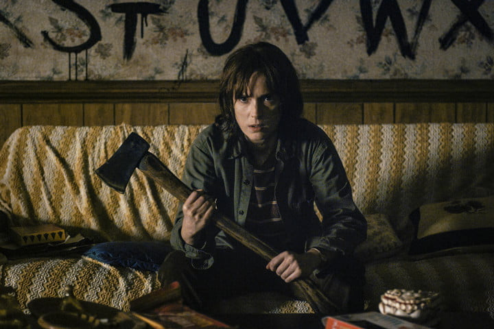 Joyce  Stranger Things - Winona Ryder | TVs Most Badass Moms