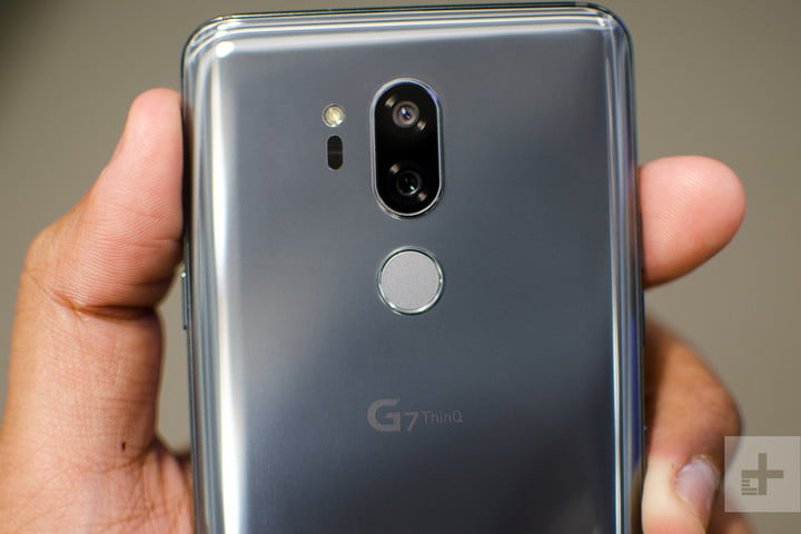 lg g7 thinq hands on back top half 2