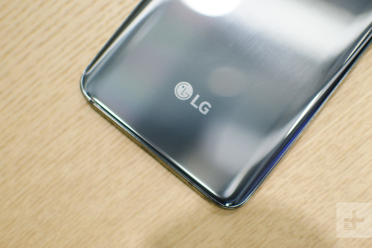 lg g7 thinq hands on logo 2