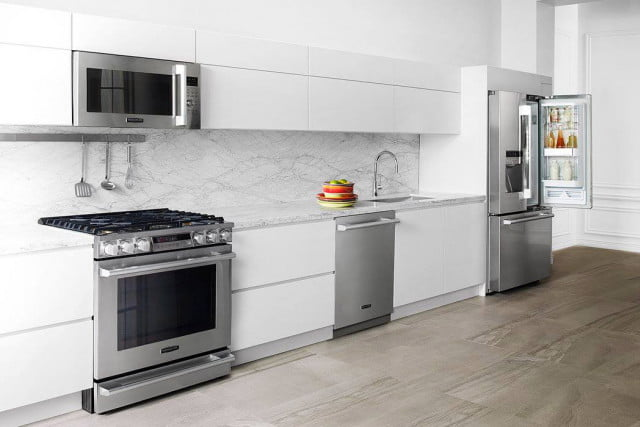 The Signature Kitchen Suite Has A Smart Fridge That Costs Almost $10,000