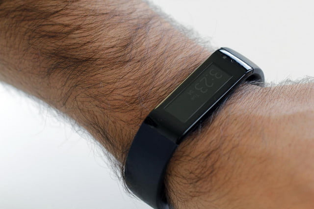 Microsoft Fitness band review on wrist 3