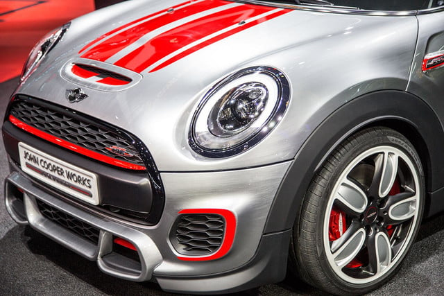 MINI-JCW-front-section