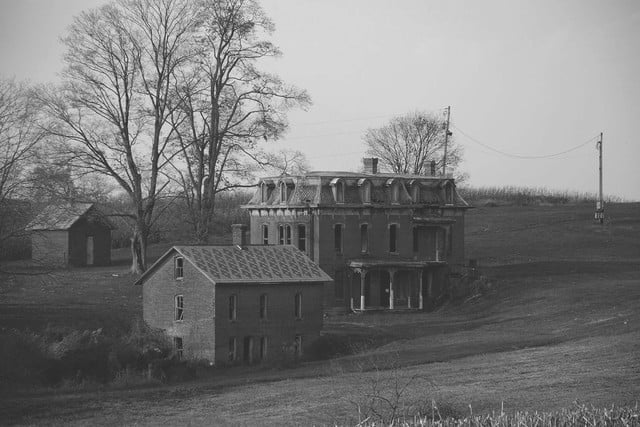 haunted houses places in america mudhouse mansion 001