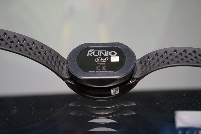 332202859eb9f RunIQ is a Wearable Device Made by Runners, for Runners | Digital Trends