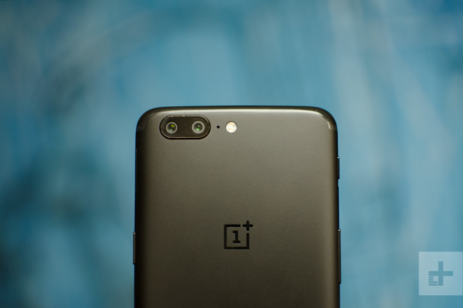 OnePlus 5 Review: What Is a Flagship Phone?   Digital Trends Oneplus