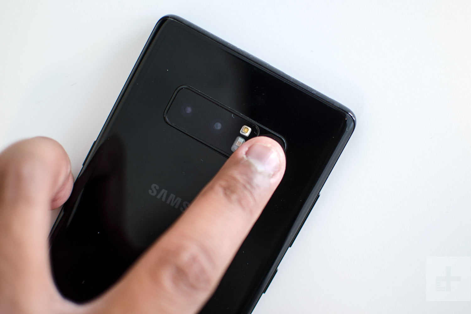 Samsung Galaxy Note 8 Review Fingerprint Scan