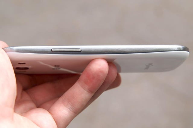 Samsung Galaxy S3 review side profile right side camera shutter button