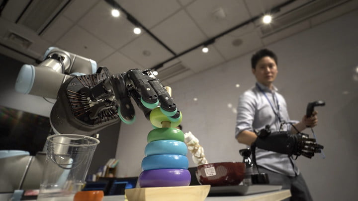 The holy grail of robotics: Inside the quest to build a mechanical human hand