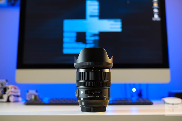 Sigma 24-70mm F2.8 Art review on desk