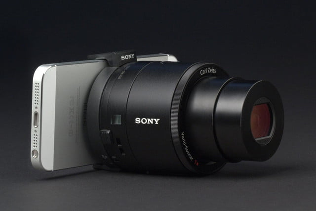 Sony Cyber shot QX100 front left angle