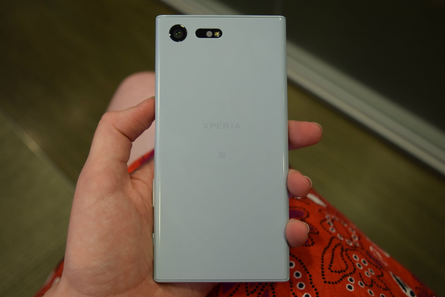 sony-xperia-x-compact-back