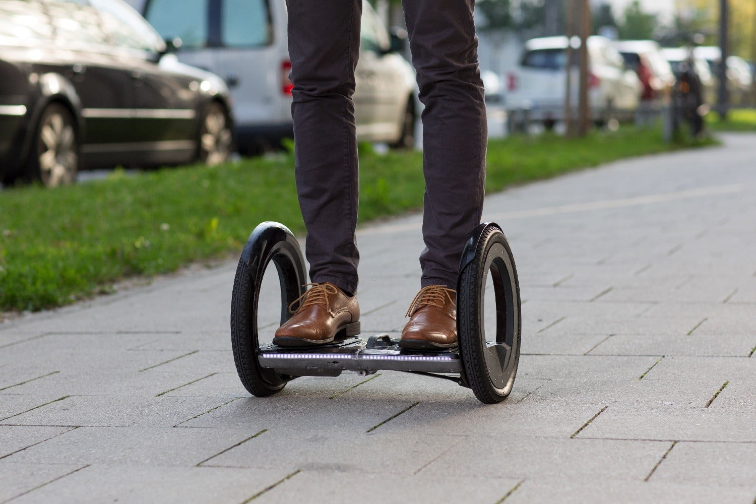 The Innovative Urmo Hoverboard Folds Flat In Just 2 Seconds