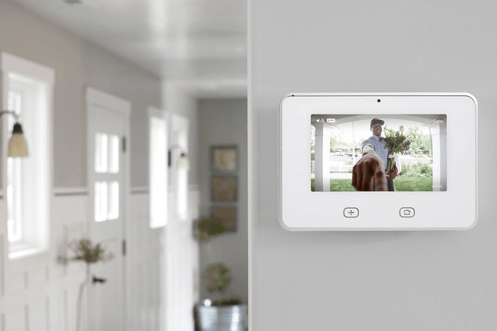vivint smart home partners with airbnb solar ces 2017 doorbell camera sky control
