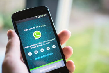WhatsApp Flaw Lets Hackers Find Out Who You Are Talking To | Digital