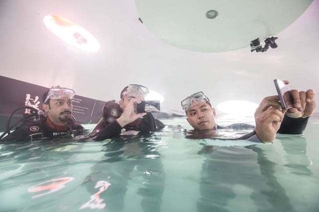 want visit sonys underwater store youll need learn dive xperia aquatech 6