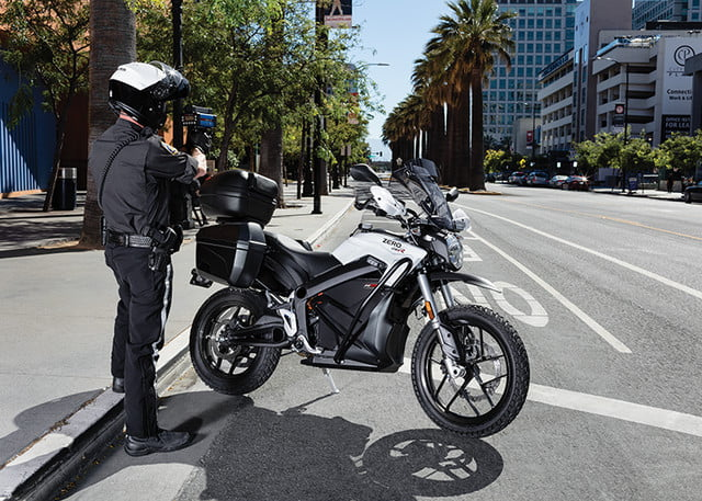 zero electric police motorcycle stops tesla model 3 dsr edition 5